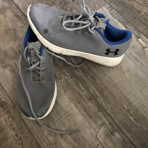 Under armour shoes size 6y